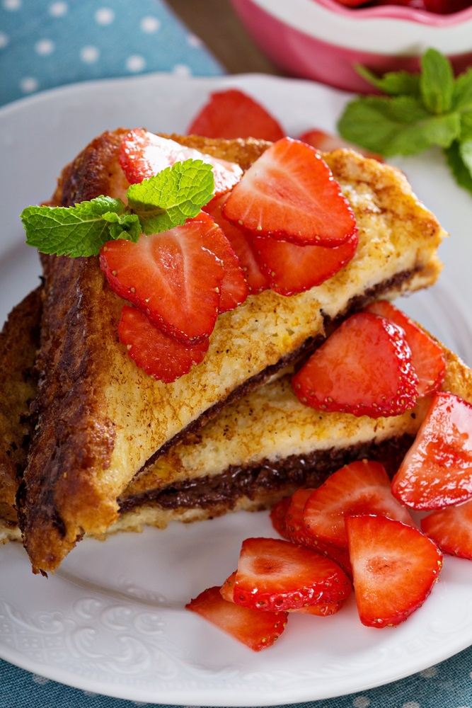 French toasts with chocolate spread and strawberry